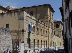 Liceo Fracastoro, Verona Fonte: controcampus.it - Il ...