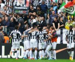 La gioia dei giocatori della Juventus dopo il gol scudetto di Vidal