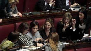 Le deputate fanno fronte comune per la parità di genere. Fonte: qn.quotidiano.net