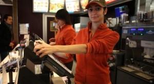 Un'impiegata di McDonald (Fonte freeopinionist.com)
