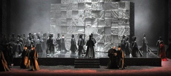 Un'altra immagine dell'allestimento di Poda: l'Osteria dell'Alcade (da www.teatroregioparma.it)