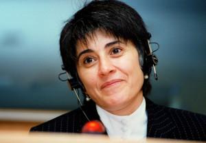 Leyla Zana (1961), nel 1991 la prima curda a entrare a far parte del parlamento di Ankara. (Fonte: www.europarl.europa.eu)