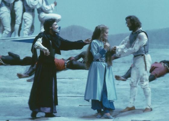 Zoraide (June Anderson) tra il padre Ircano (Giovanni Furlanetto) e Ricciardo (William Matteuzzi), sempre nel 1990 a Pesaro (da www.lucaronconi.it)