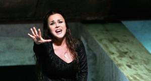 Sonia Ganassi è Ermione al Rossini Opera Festival nel 2008 (da gbopera.it)